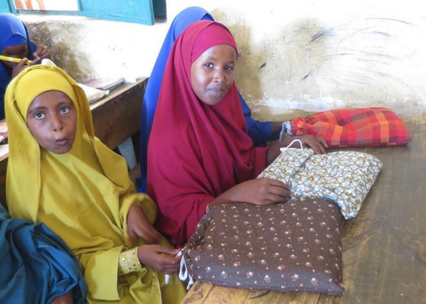 Displaced Somalis receive school kits, comforters | Canadian